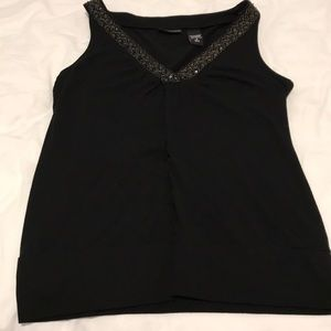 Pretty sleeveless shirt/tank